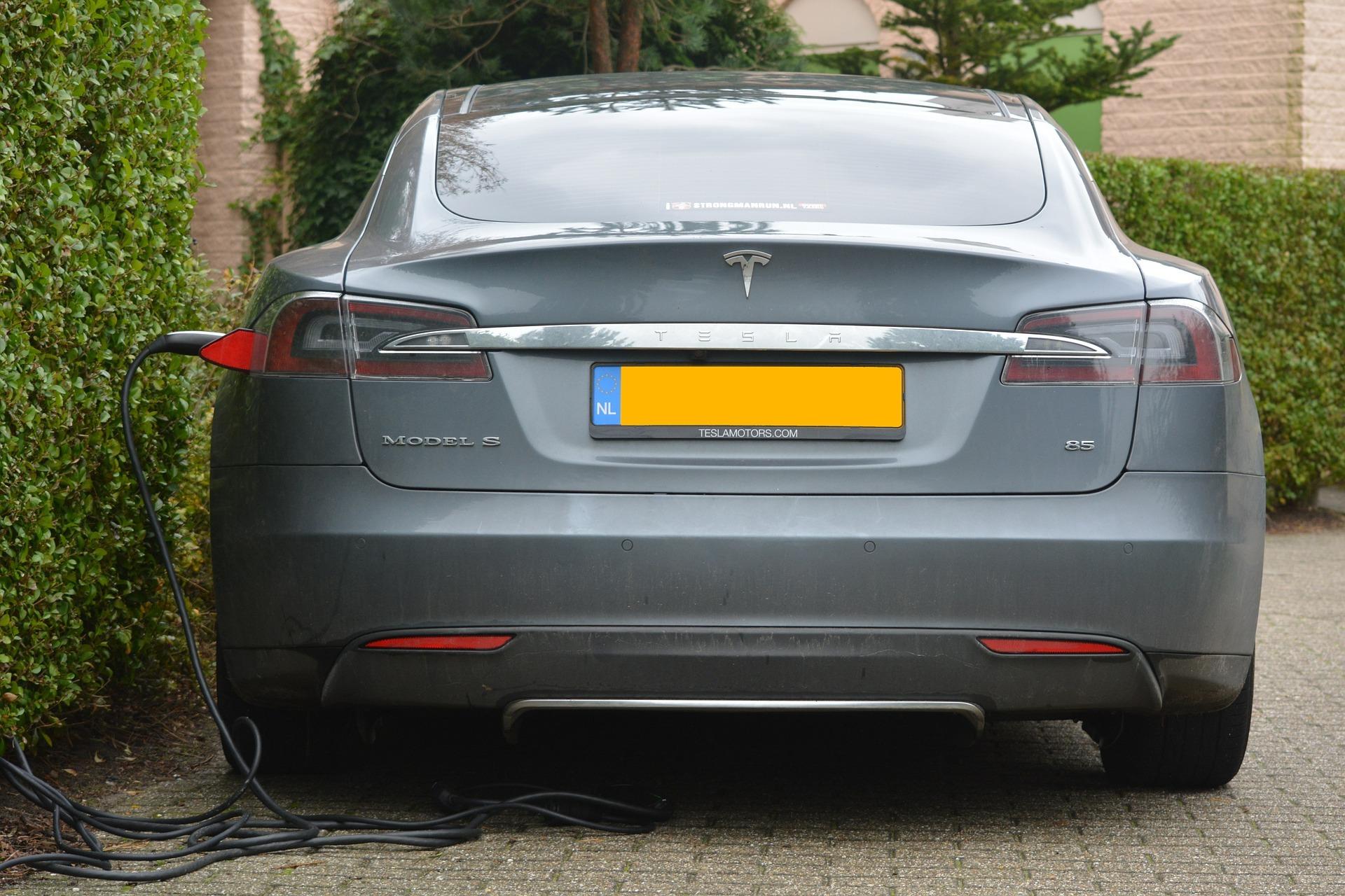 'Subsidie op elektrische auto's vooral naar rijke Nederlanders'