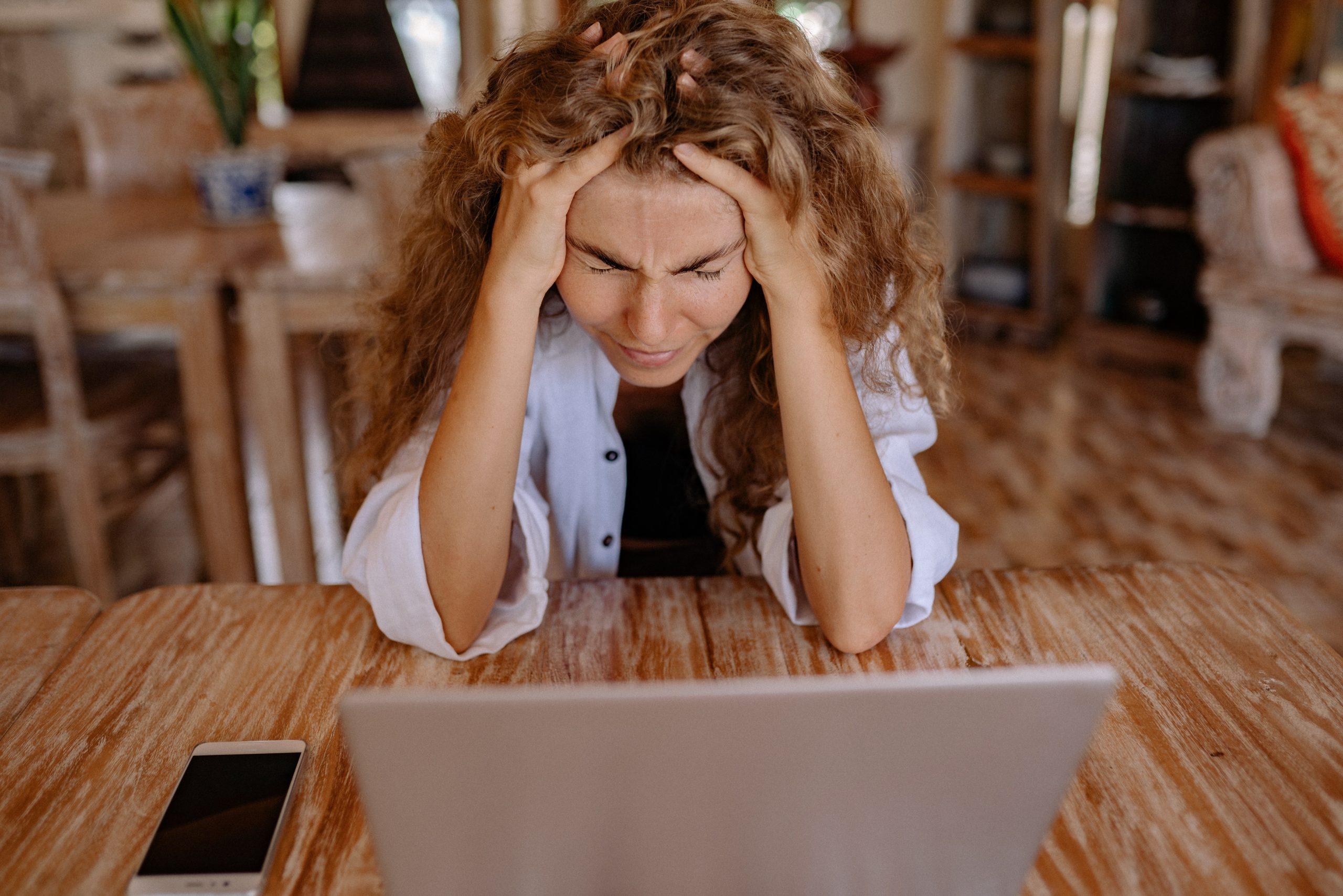 """Chiropractoren: """"Steeds meer mensen hebben last van lockdown stress"""""""